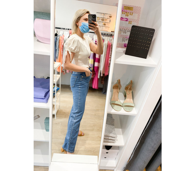 RELAXED BOOTCUT JEANS