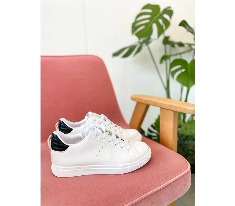 TOUCH OF BLACKISH SNEAKERS