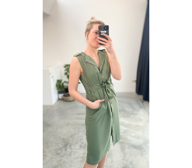 SUITED GREEN DRESS