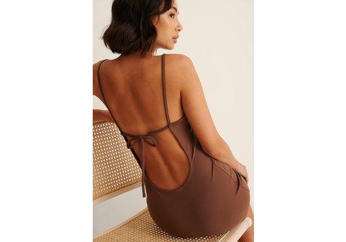 STRAP BACK MINI DRESS - BROWN
