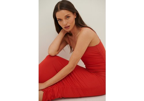 RUCHED STRAP DRESS - RED