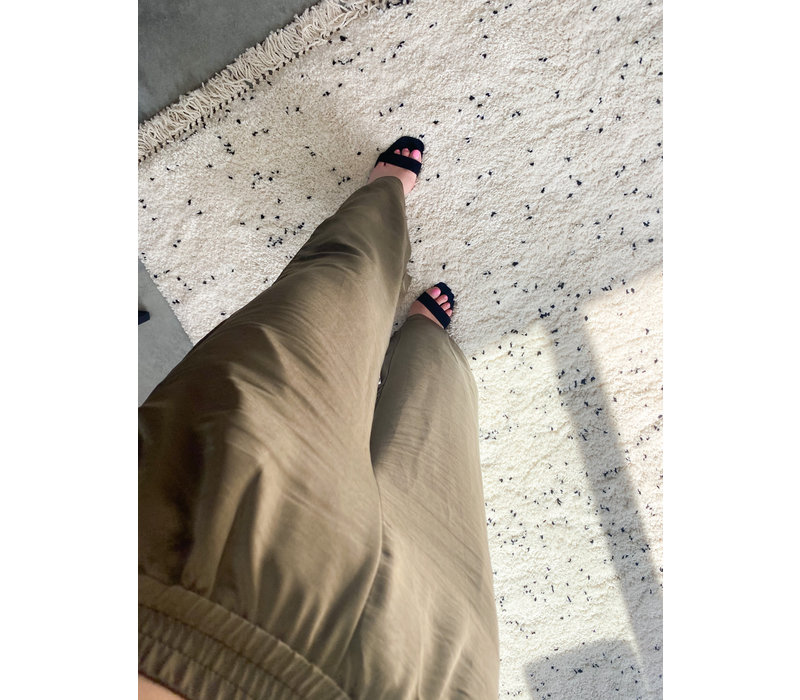 BLOOM SATIN PANTS - GREEN