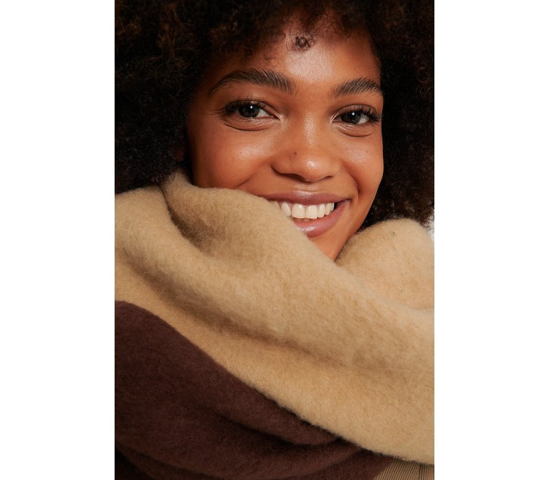 TWO TONED BROWN SCARF