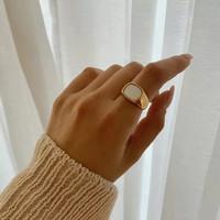 WHITE BIGGIE RING - GOLD