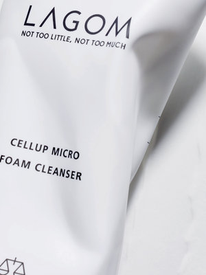 Lagom Cellup Micro Foam Cleanser