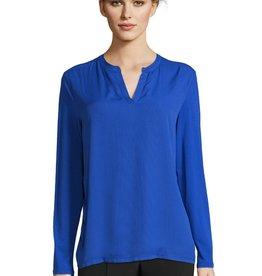 Betty Barclay kobalt blouse/t-shirt met pad voor.