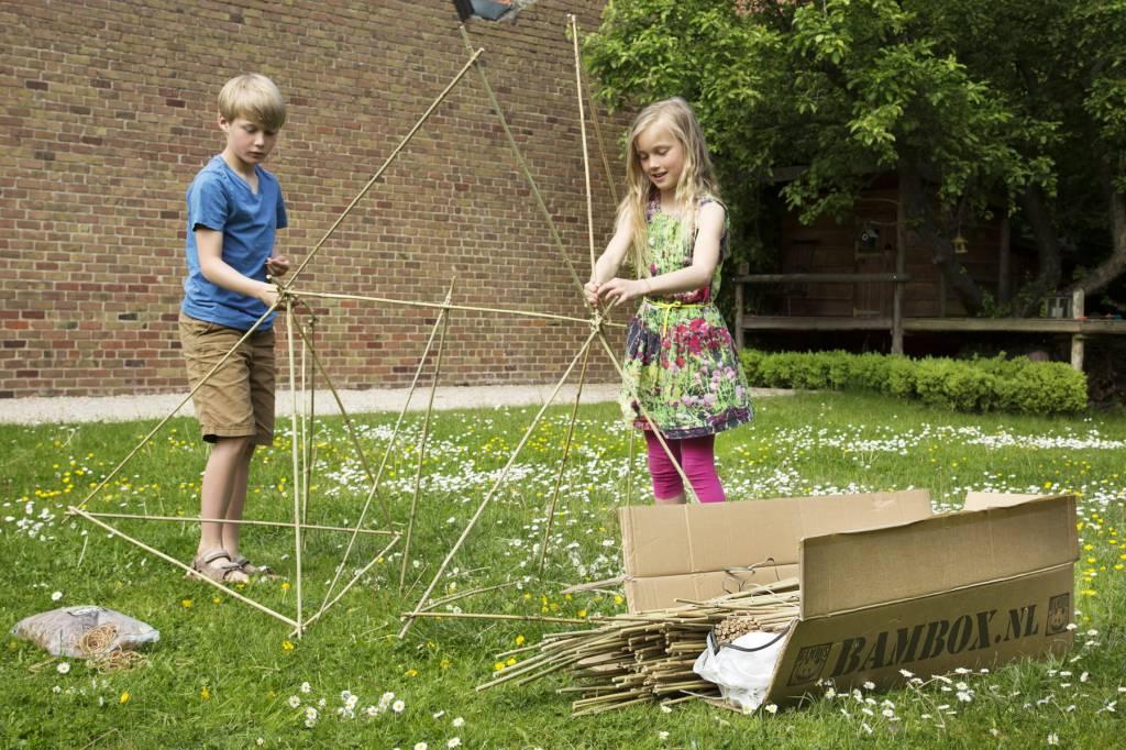 Afbeeldingsresultaat voor kampen bouwen in de tuin