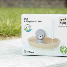 Plan Toys Plan Toys sailing boat seal