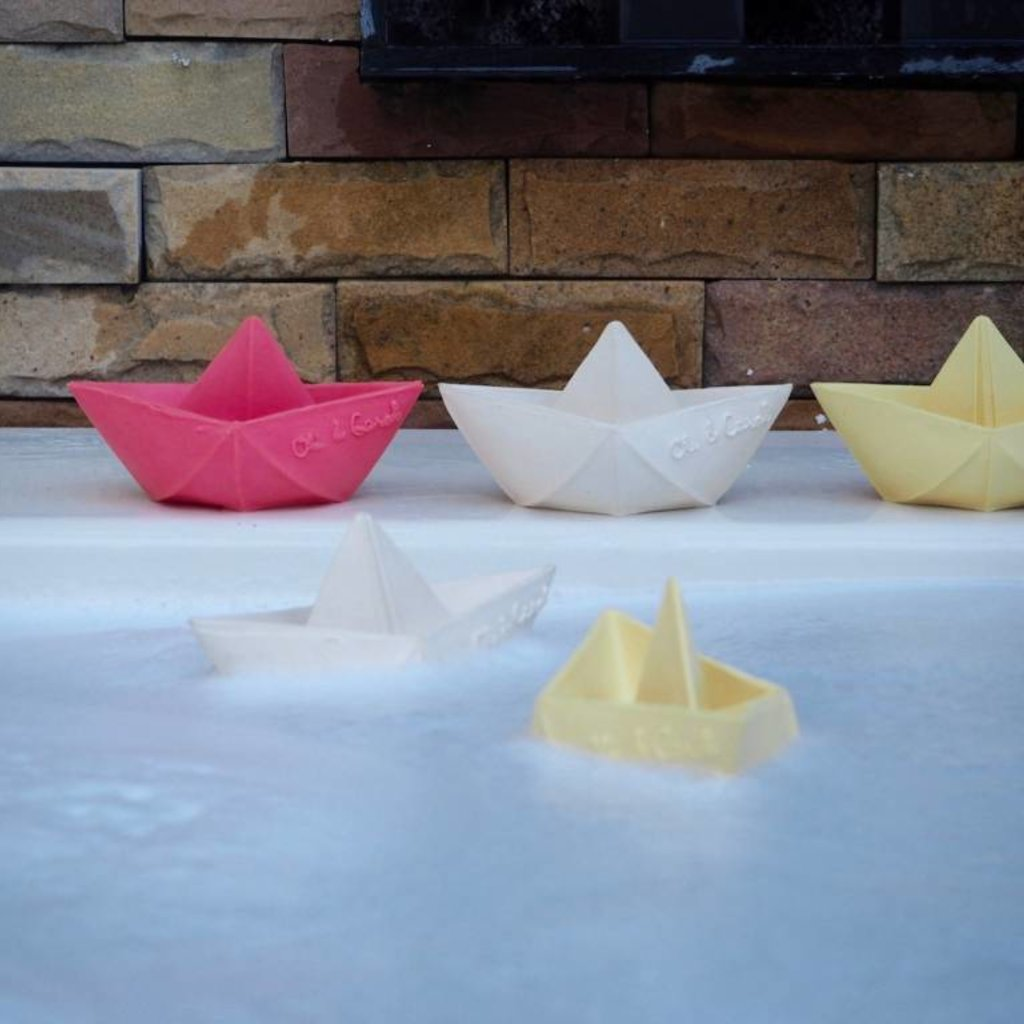 Oli & Carol Oli & Carol natuurrubber origamibootje roze