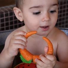 Oli & Carol Bijtspeeltje wortel in natuurrubber