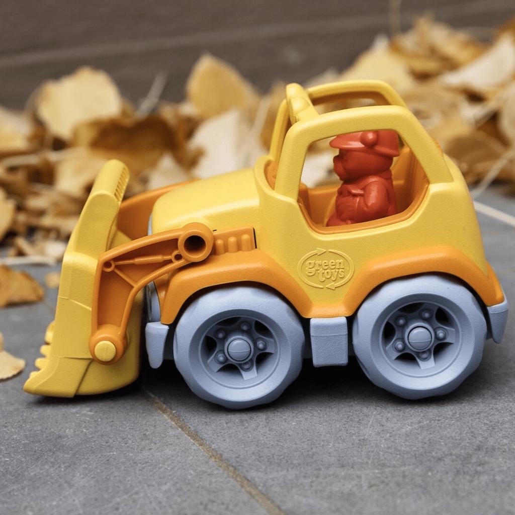Green Toys Diepgravend werk met de Green Toys mini bulldozer!