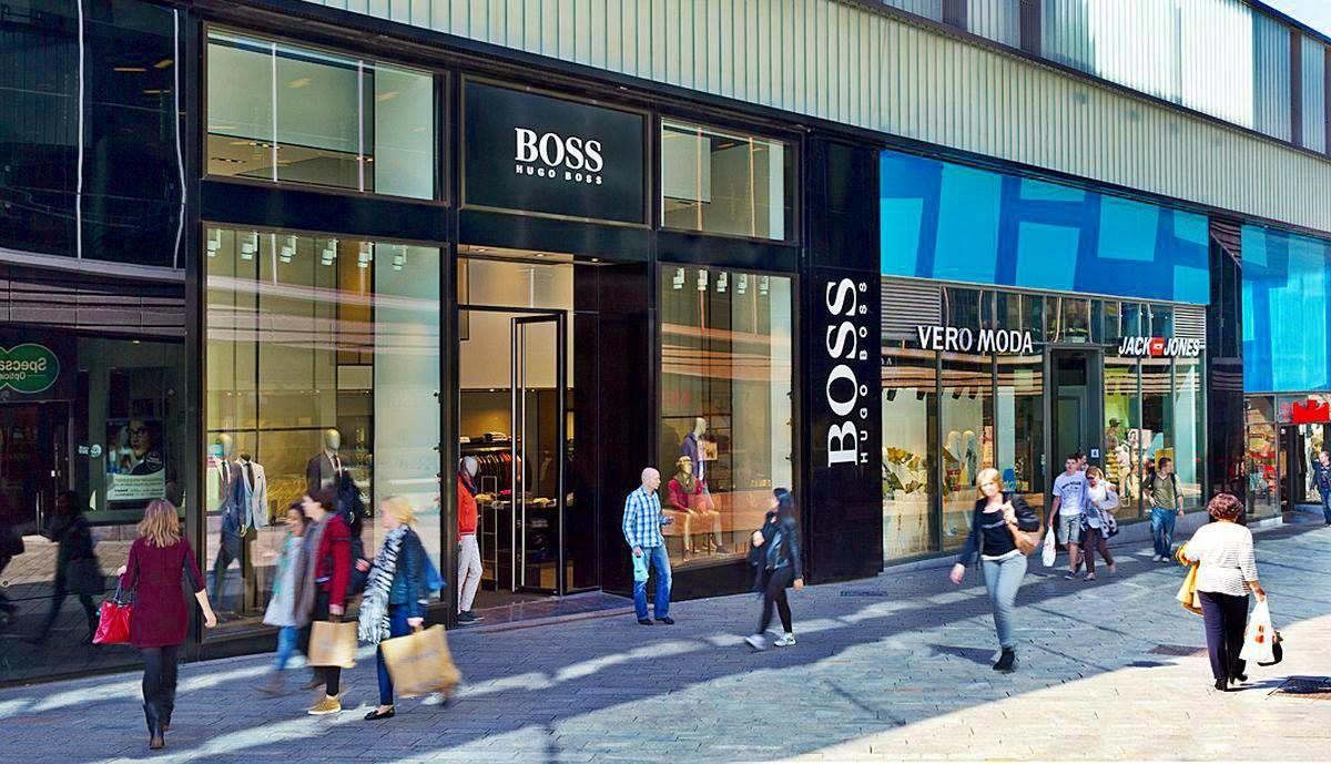 Siempre en Hugo Boss Almere krijgen in-company winkelverkoop training van Graham Hulsebos