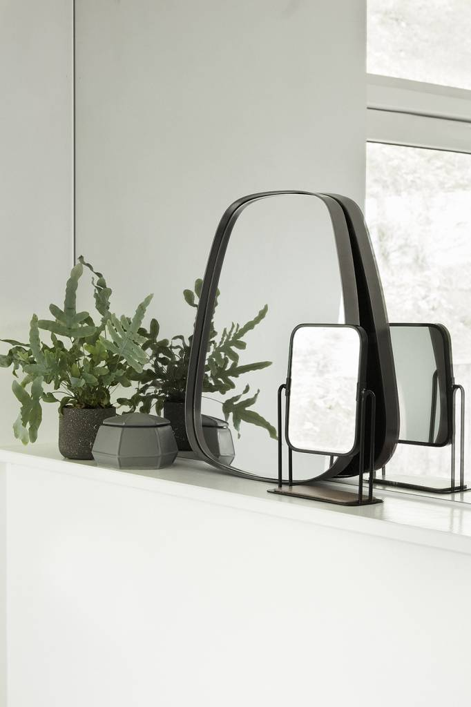 Hubsch tafelspiegel met voet, zwart metaal en hout, 19 x 8 x 27 cm