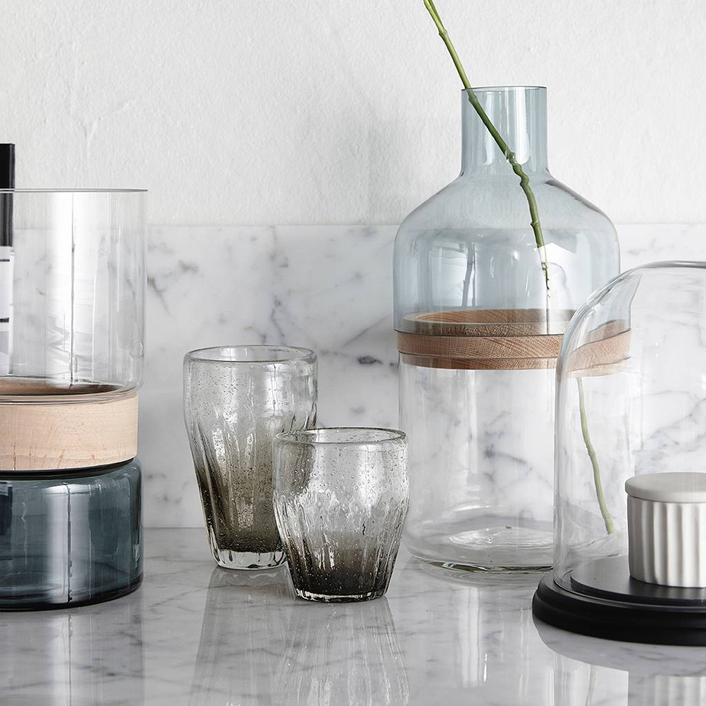 Hubsch glas met groeven - grijs glas met belletjes - ø9 x 10 cm - set van 4
