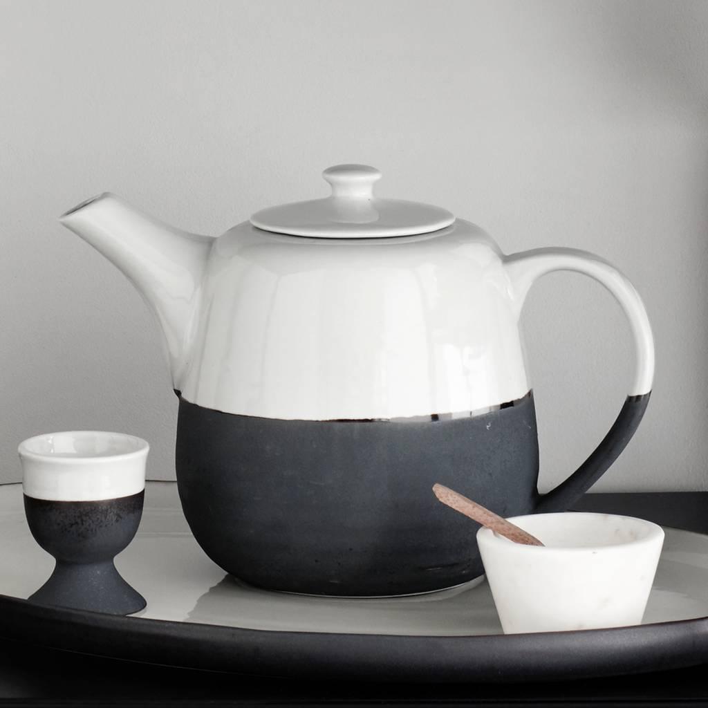 Broste Copenhagen theepot Esrum - wit/zwart aardewerk - 1,3 L-14531571-5710688039852