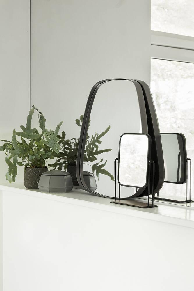 Hubsch Wandspiegel met metalen frame, vierkant, trapezium