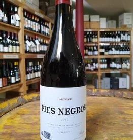 Bodegas Artuke, Rioja, Spain 2017 Pies Negros Rioja  Artuke