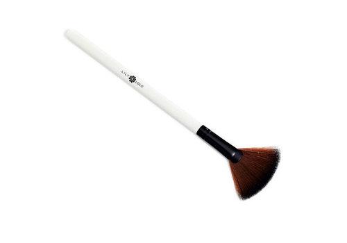 Lily Lolo Applicator - Small Fan Brush