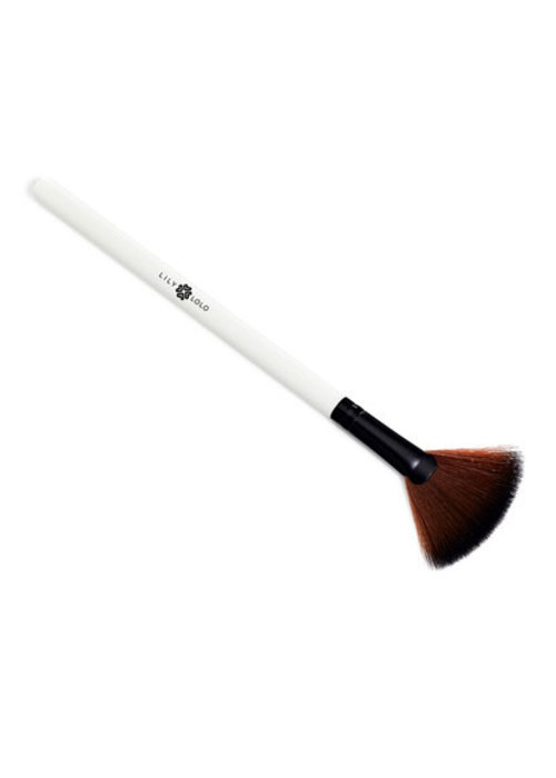 Lily Lolo Applicator - Small Fan Brush