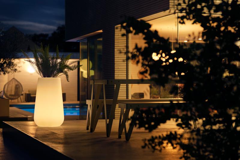 Elho2021 Pure Cone Smart LED 49 x 80 cm