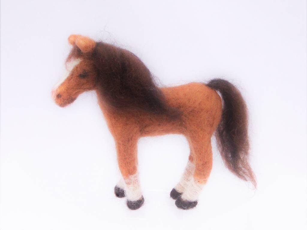 De Wolshoop Paard bruin