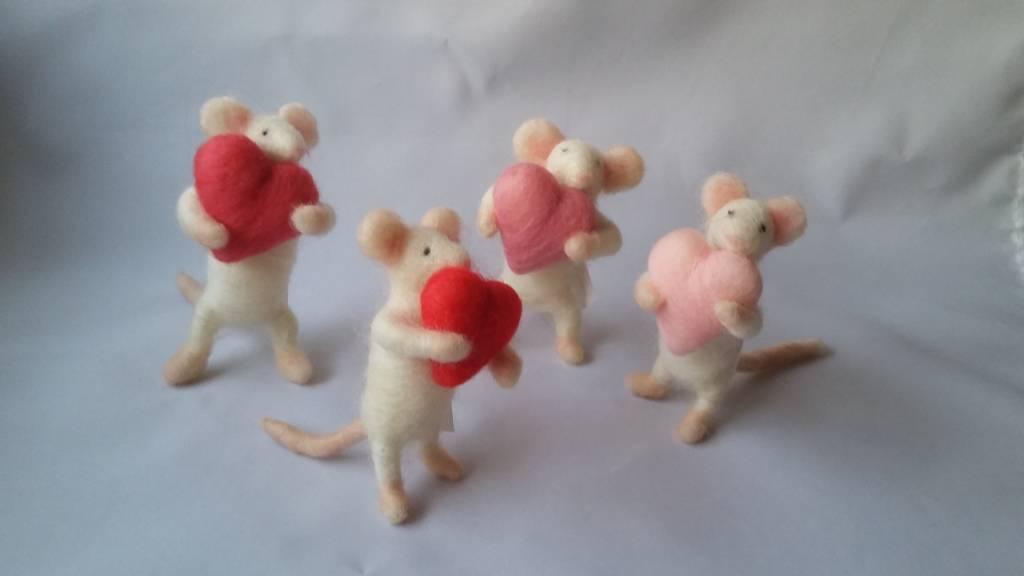 De Wolshoop Muis valentijn met hartje