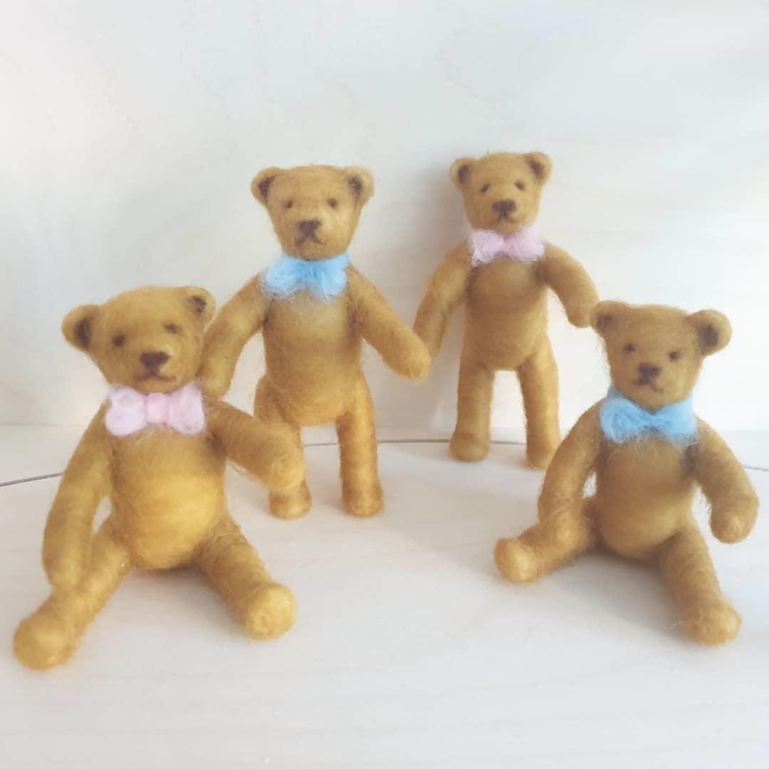 De Wolshoop Teddybeertje staand of zittend
