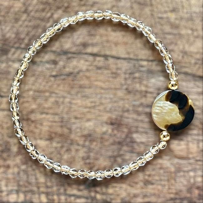 Armband  brownlip schelp goudlijn