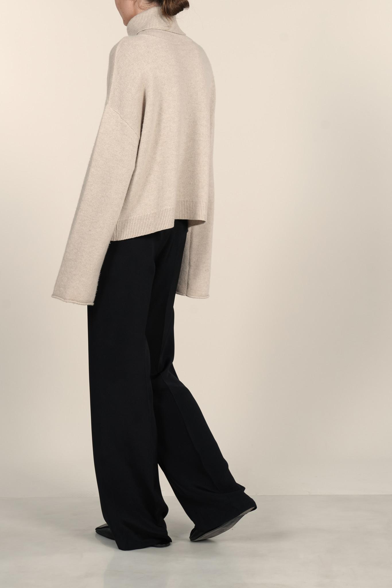 La  Collection Alicia Knit