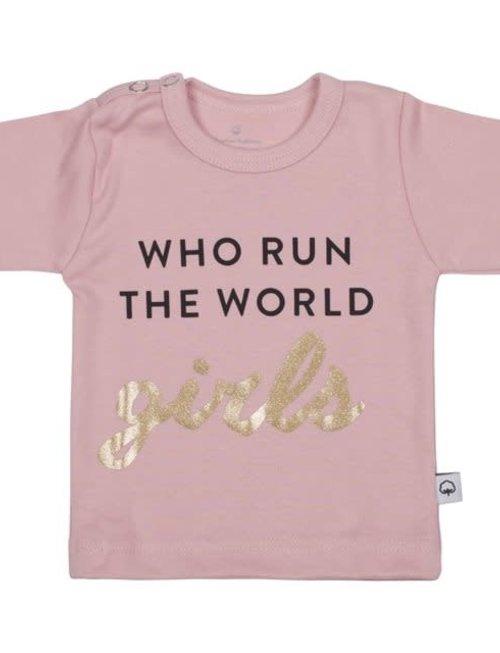 Wooden Buttons Wooden Buttons T-shirt Who Run The World Girls