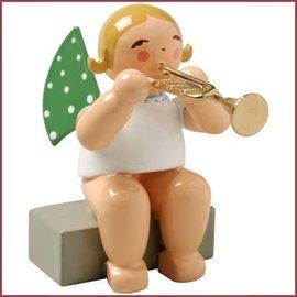 Wendt & Kühn Grunhainichense zittende Engel met trompet