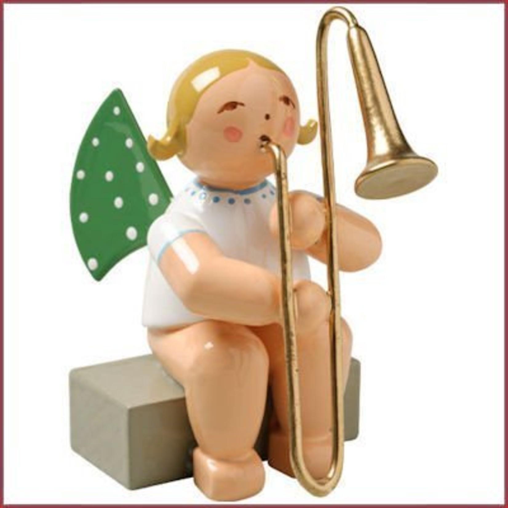 Wendt & Kühn Grunhainichense zittende Engel met trombone