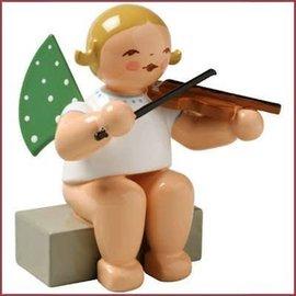 Wendt & Kühn Grunhainichense Engel met viool zittend