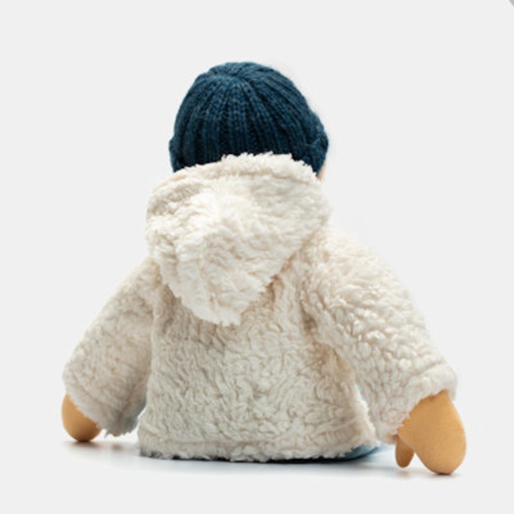 Nanchen Natur Aankleedpop Juli met handgebreid mutsje