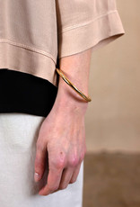 . SIMPLE GOLD PLATED BANGLE