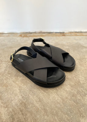 . FAMARA CROSS SANDALS S02