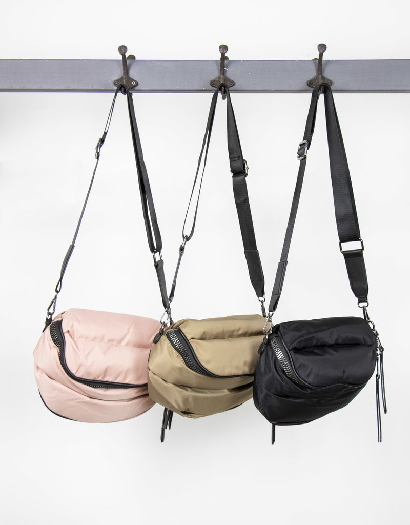 Busby & Fox QUILTED PUFFA CROSSBODY BAG