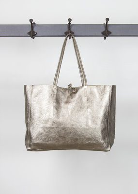 . METALLIC LEATHER TOTE BAG · Colours