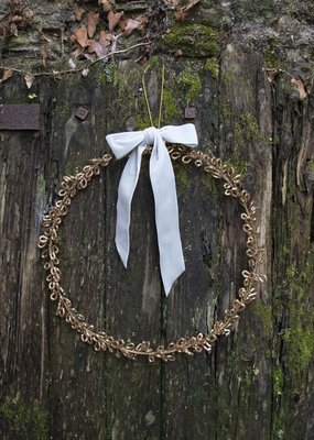 . ANTIQUED WIRE WREATH