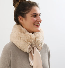 . FAUX FUR COLLAR WITH RIBBON