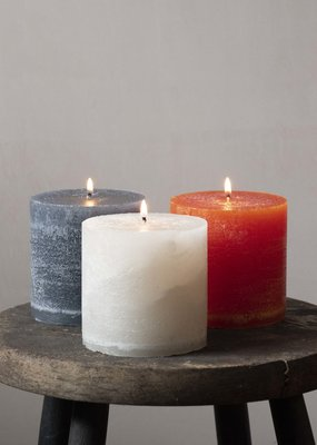 Busby & Fox COLOURED PILLAR CANDLE · Colours