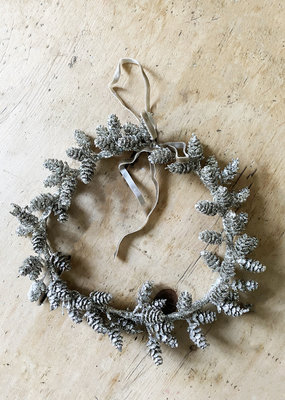 Busby & Fox GLITTER PINE CONE WREATH