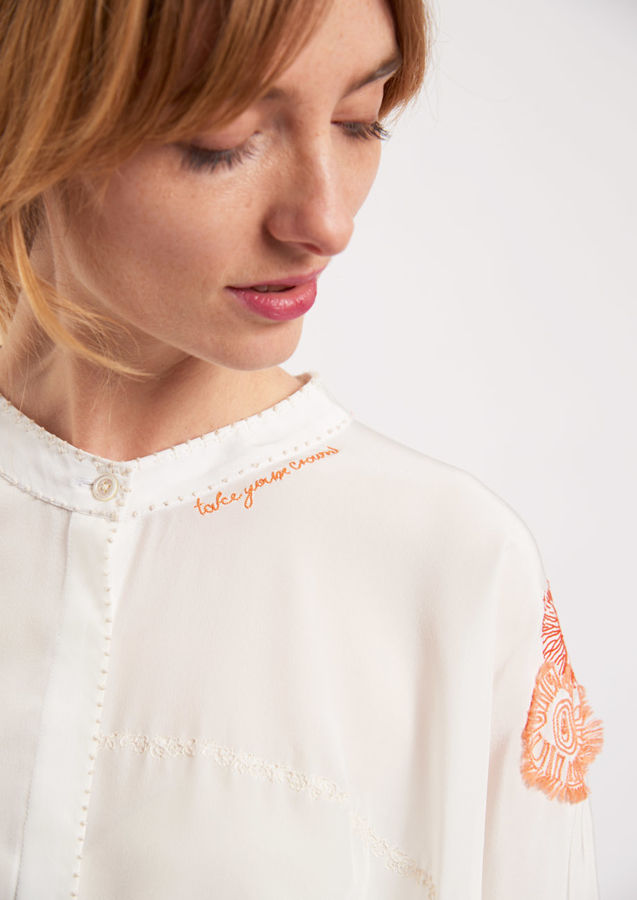 EMBROIDERED SILK BLOUSE - COLORFUL ON MILK-3