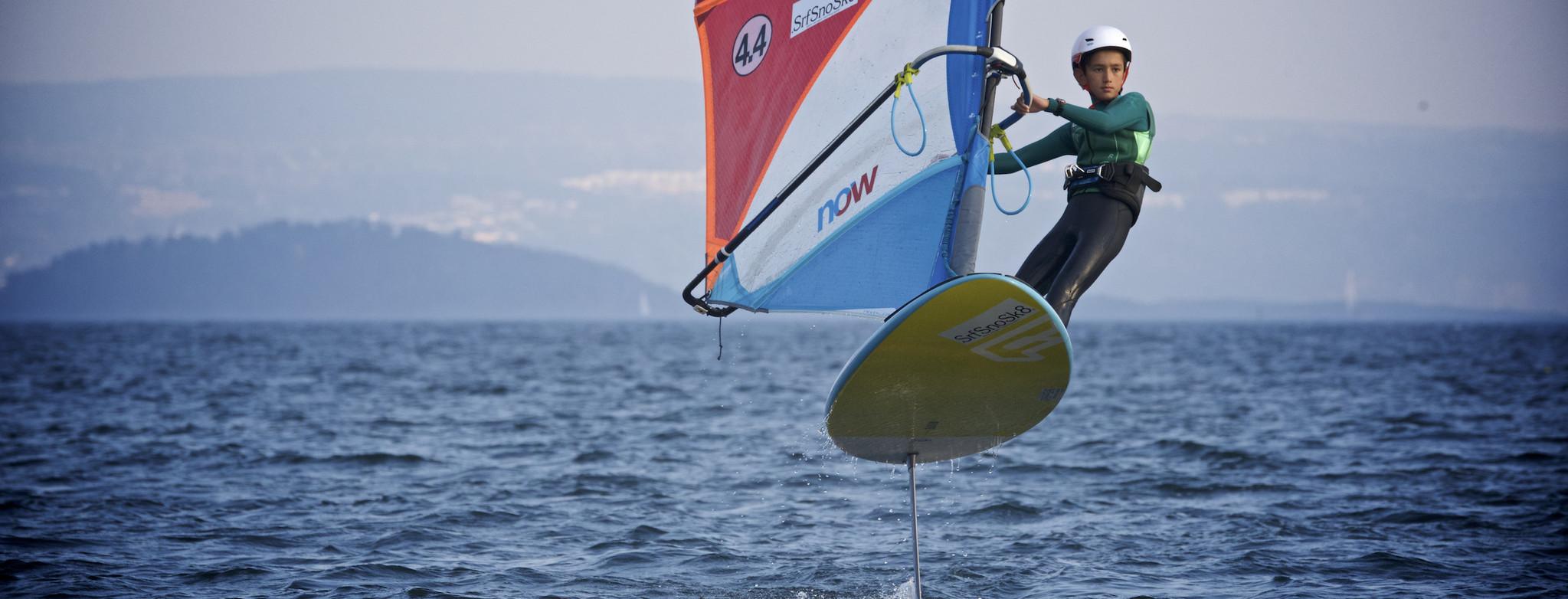 Jonathan_LysakerfjordenBrettseilerklubb