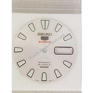 Seiko SRP163J1 silver dial Seiko 4R36-00B0
