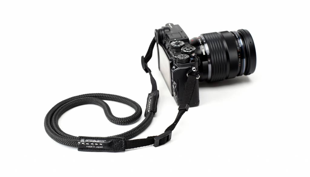 Artisan & Artist ACAM 307N silk camera strap - black
