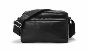Artisan & Artist Artisan & Artist GCAM 1100 leather nylon camera bag - black