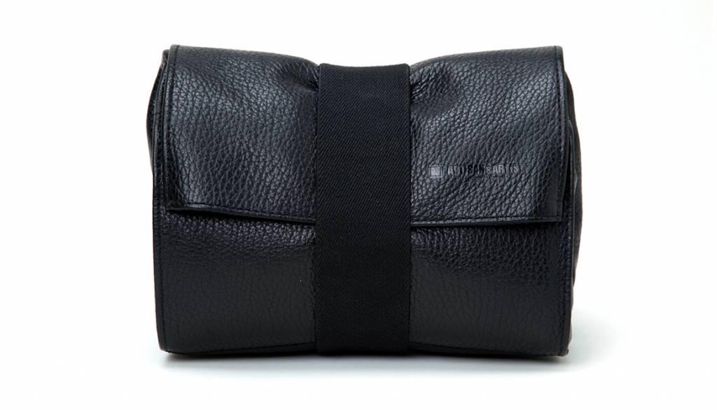 Artisan & Artist ACAM 78 leather soft pouch - black