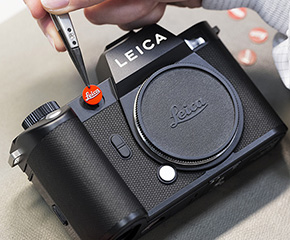 THE LEICA FASHION LOOK