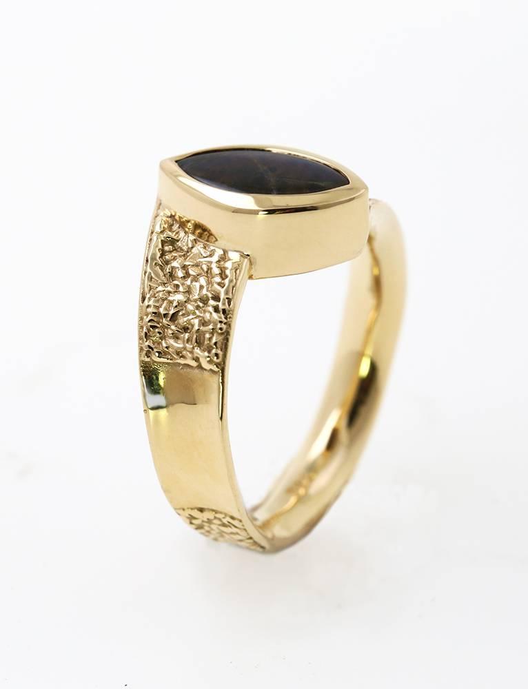 Secret: Ring aus 750er Gelbgold und Ammolit-Dublette
